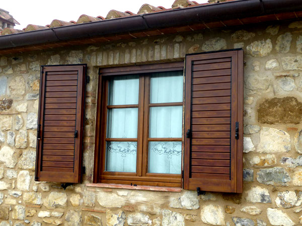 Home linea casa infissi for Finestre pvc usate